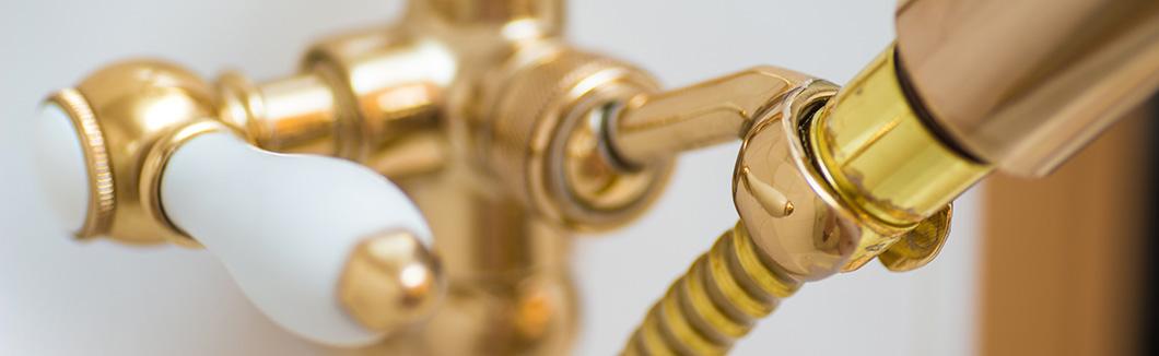 goldene Badewannen Armatur